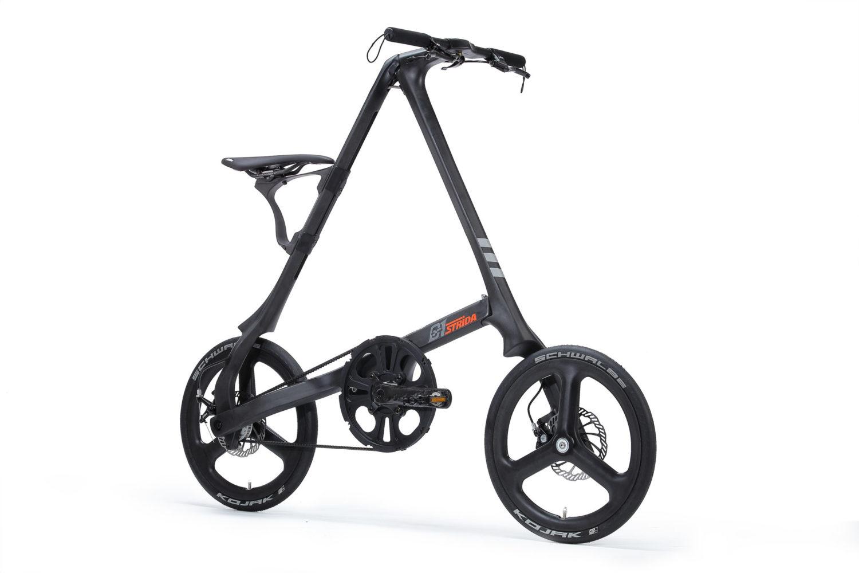 STRIDA C1 Black Carbon - 18 pouces - à vendre - acheter - Acheter des vélos pliables - Acheter des vélos pliants - Acheter un vélo pliable - Acheter un vélo pliant - c1 - Cadre carbone vélo - Carbon - forme triangulaire - Léger - Magasin - Magasin de vélo pliant - nouveau - Roue carbone - strida - super léger - triangulaire - vélo - vélo compact - Vélo design - vélo pliable - vélo pliant - Vélo pliant design - vélo pliant design strida - Vélo pliant triangulaire - vélo pliant unique - Vélos pliable - Vélos pliants - Vitesse unique