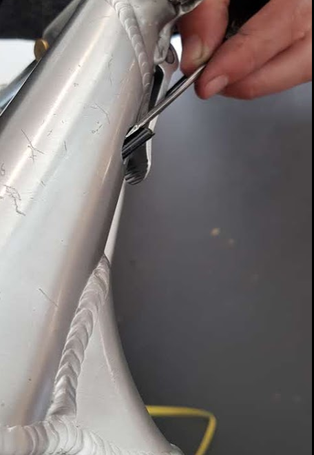 How to replace the ball socket of a STRIDA folding bike?