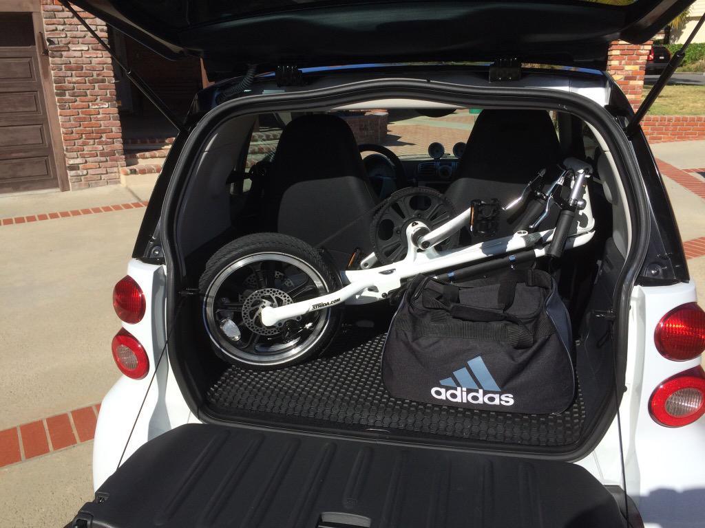 Altijd gratis of goedkoop parkeren met een vouwfiets in de achterbak!